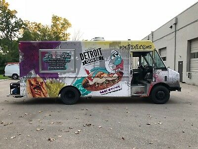 Well-equipped Food Truck 25 Ft - Freightliner - Used