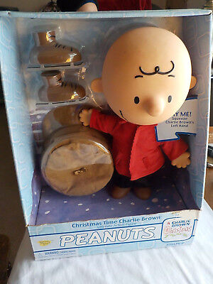 2004 Christmas Time Charlie Brown Ultimate Action Figure Peanuts Memory Lane