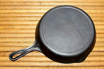Antique Victor Griswold No8 Cast Iron Skillet Fry Pan USA 722C With Heat Ring