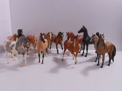 13 Breyer Classic Horses Incl. Mustang 480, Gray Pinto 614 and more