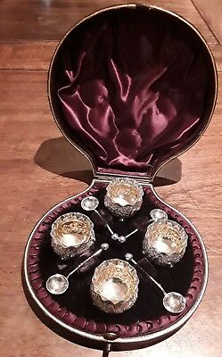 Victorian Solid Silver Set Of 4 Salts & Spoon Hayes Brothers 1893, Cased.