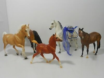 Rare Breyer Traditional Lot of 5: Happy Holidays 2006, Grazing Mare 141 & More