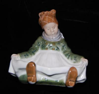 "Royal Copenhagen Figurine ""Amager Fanoe Girl Apron Pin Tray #1315-L. Benter-MINT"
