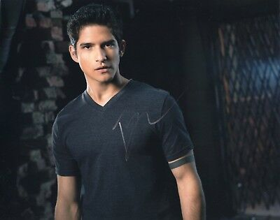 Teen Wolf Scott Mccall Autograph Fine Quality Tyler Posey Signed 8x10 Photo Hunk