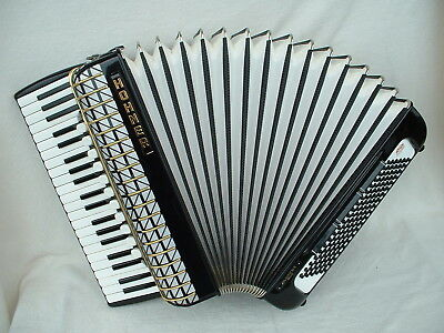 HOHNER ATLANTIC IV S DeLuxe GERMANY PiANO AKKORDEON 120 BASS ACCORDiON Аккордеон
