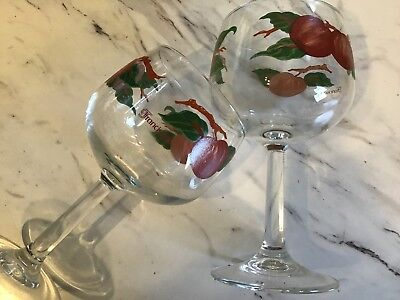 Set Of Four Fransiscan Apple Blosson Wine Glasses New