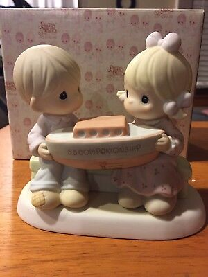 Precious Moments - Companionship Happens In Our Club 1999 635286 NIB