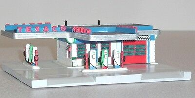 "TEXACO GAS STATION # 3 40's Architecture ""Service With A Smile"" Lefton 1995 MIB"