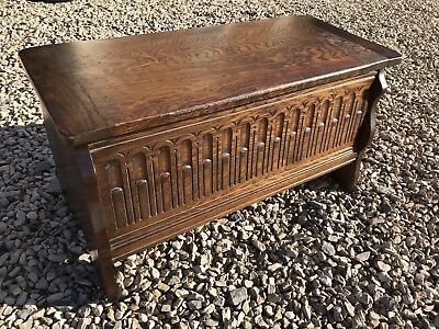 Vintage Carved Solid Oak Slipper Box / Blanket Box / Trunk  In Lovely Condition.