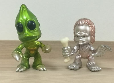Funko LAND OF THE LOST CHAKA & SLEESTAK 2 PACK Metallic SDCC 2009 Vinyl Figure