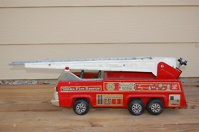Vintage Tonka Pressed Steel Fire Rescue Red Ladder Truck
