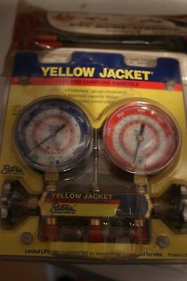 Yellow Jacket, Ritchie, Gauge Set 2 Valve Manifold R404A, R22, R410A hoses inclu