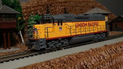 HO Scale Union Pacific GP 50 Locomotive DC/DCC Lot K 40