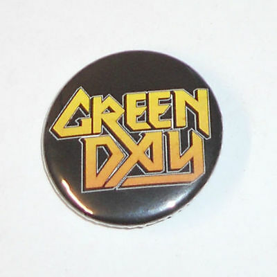 "Green Day Logo 1 1/2"" ACROSS METAL BUTTON NEW"