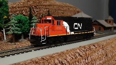 HO Scale CN Canadian National GP 38-2 Powered Locomotive  Lot E