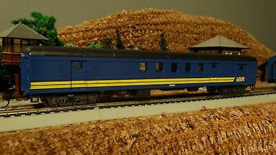 HO Scale  CN VIA RAIL  Combination 9694 Passenger Car  Lot E 10