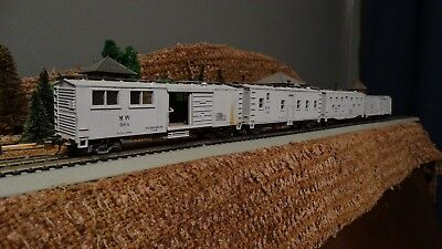 HO Scale (4) MOW Cars  Lot K 40