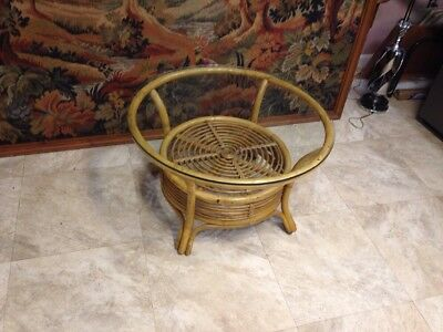 Very Nice Vintage  Bamboo Rattan Wicker round Glass Top,perfect Size.