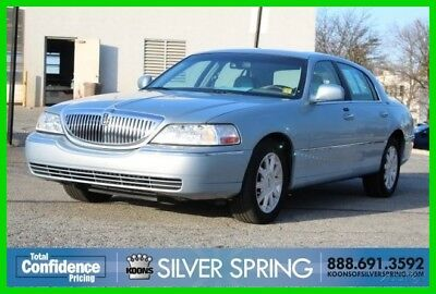 2006 Lincoln Town Car Signature 2006 Signature Used 4.6L V8 16V Automatic RWD Sedan Premium
