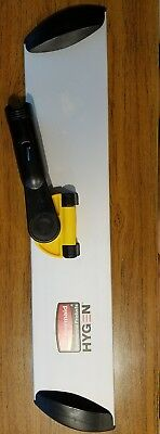 """Brand New Q560 18"""" Rubbermaid Commercial Hygen Quick-Connect Hall Dusting Frame"""