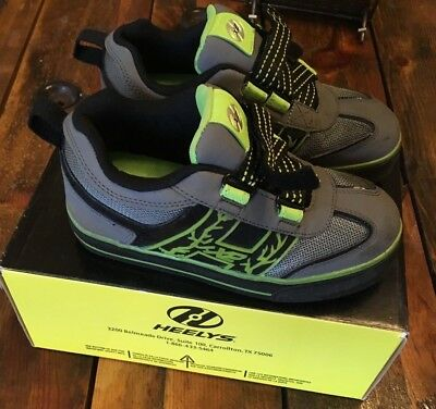 Heelys Bolt X2 Size 1 - Only Used Once. Green Flashing Lights