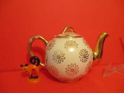 Hall China French 2 cup Teapot Ivory Daisy