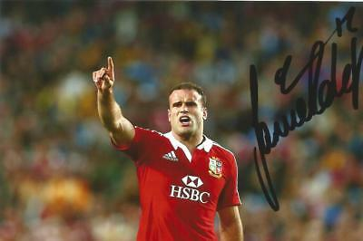 WALES & BRISTISH LIONS RUGBY UNION: JAMIE ROBERTS SIGNED 6x4 ACTION PHOTO+COA