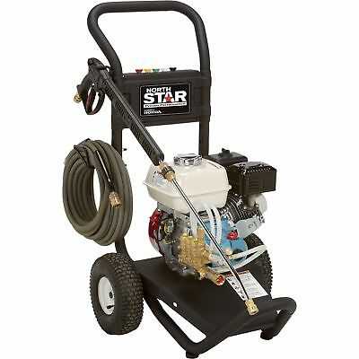 NorthStar Gas Cold Water Pressure Washer - 2.5 GPM, 3000 PSI, Model# 15781720