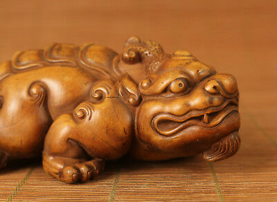 antique Collectables chinese old Boxwood Kirin Statue Figure netsuke hand piece