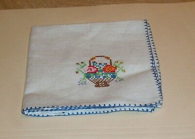 vintage embroidered linen hankerchief 10 x 10