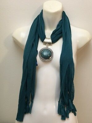 West Loop Women Scarf Green  New With