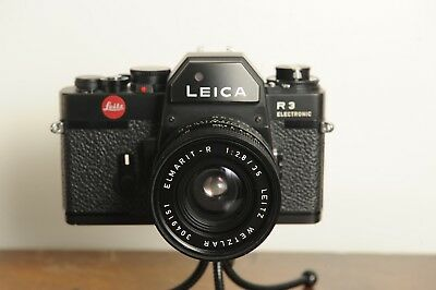 Leica R3 Electronic 35mm SLR Camera with Leitz Elmarit 35mm F2.0 Lens with box