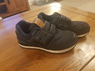 NEW BALANCE 574 Boys Or Girls Kids Childrens Trainers Size 13.5 Navy Blue velcro