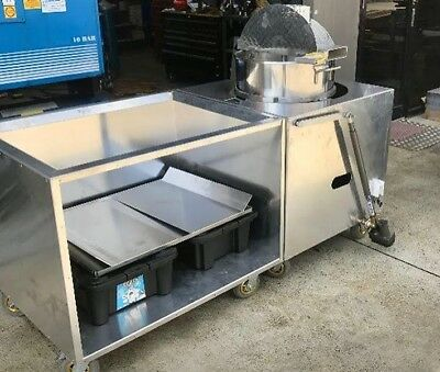 Kettle Popcorn Machine 2 meters long x 900w x 800h