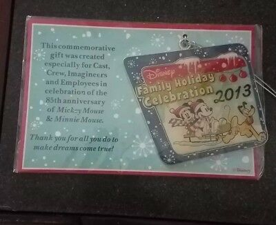 Cast Member Exclusive DISNEY Family Holiday Celebration Ornament 2013