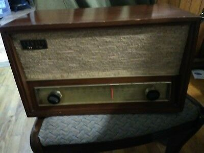 Vintage Zenith AM/FM Tube Radio Wood Cabinet Model No C730R USA S-46210