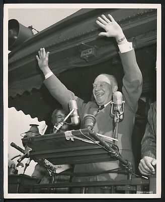 1952 Original Photo DWIGHT D. EISENHOWER U.S. President THE CROWD LIKES IKE !
