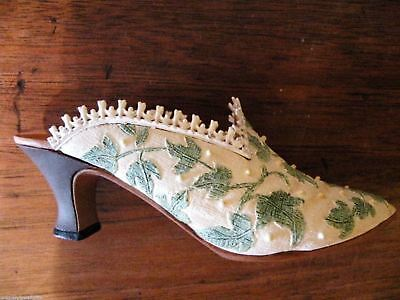 Just the Right Touch Of Lace  Resin Collectible Shoes Mint Lot of 3