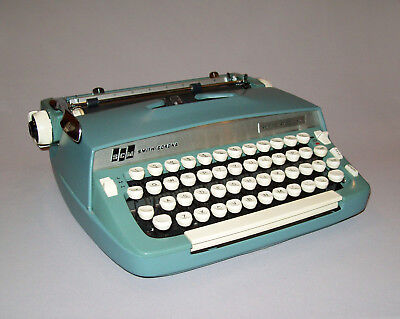 Old Vtg 1960s Smith Corona Super Sterling Typewriter Portable Works Great W/Case