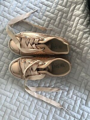 766015135a Girls Rose Gold Trainers. Size 11 Really pretty Shoes trainers. Hardly Worn