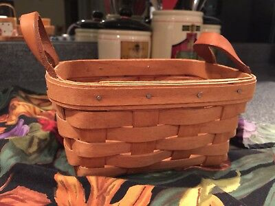 1991 Initialed Longaberger Tea Basket with leather handles