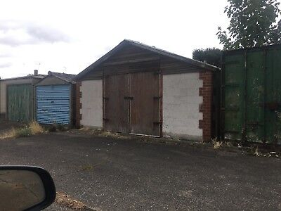 Large detached Garage for sale Slough SL2 Freehold workshop storage residential.