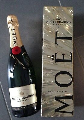 Moet & Chandon Imperial Champagner 750 ml Flasche in goldner Geschenkverpackung
