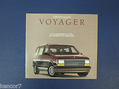 1989 Plymouth Voyager Sales Brochure C7834