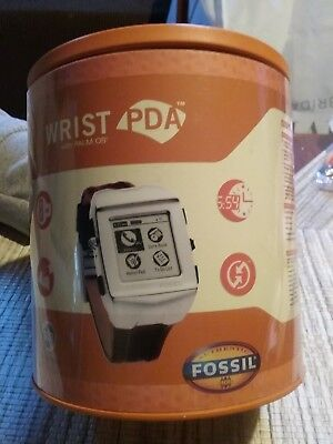 ***vintage Fossil Wrist Pda Model Fx 2009--With Palm Os 4.1--New In Tin--L@@k***