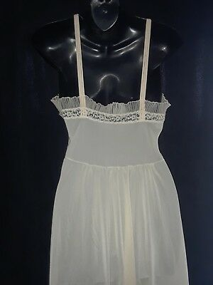 Vintage 1950's Harvey Woods nightgown lingerie