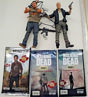 Walking Dead Merle & Daryl Dixon Brothers Figures & 3 unopened Trading Cards Lot
