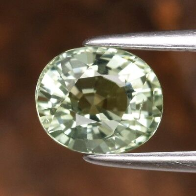 VS 0.96ct 6.7x5.7mm Oval Natural Green Beryl, Madagascar