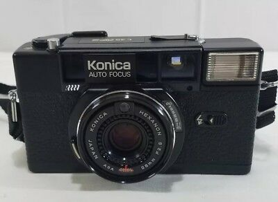 Vintage Konica C35 AF2 Auto Focus Camera With Carrying Case