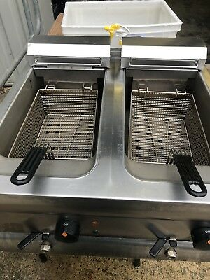 Lincat Commercial Table Top Double Fryer